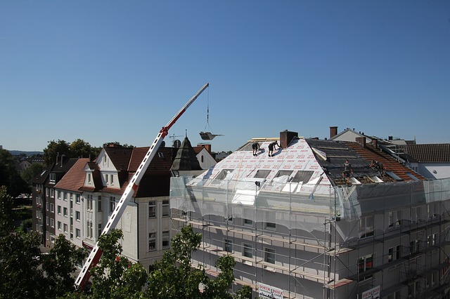 roofers-2681351_640